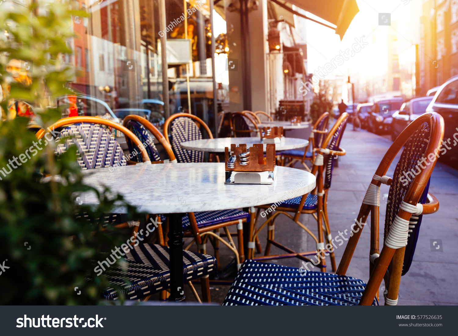 impresses with london beauty tables the closeup pin and restaurants copper chairs restaurant bandol lots table of