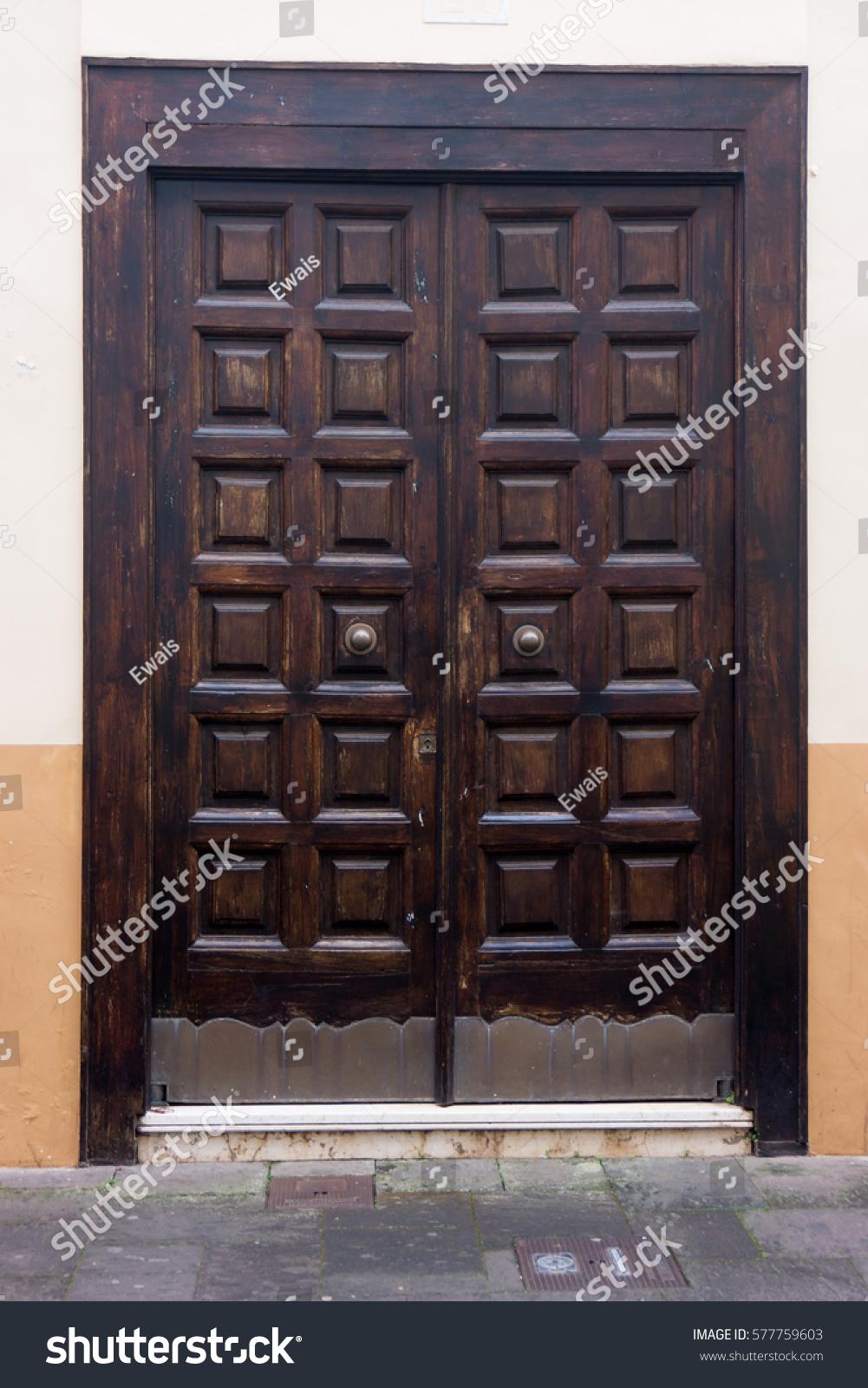 wood door. antique wooden door - Wood Door Antique Wooden Door Stock Photo 577759603 - Shutterstock