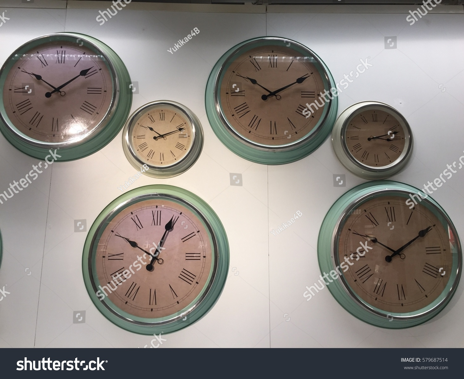 Set Of Wall Clock A Lot Of Clock Display The Different Timezone