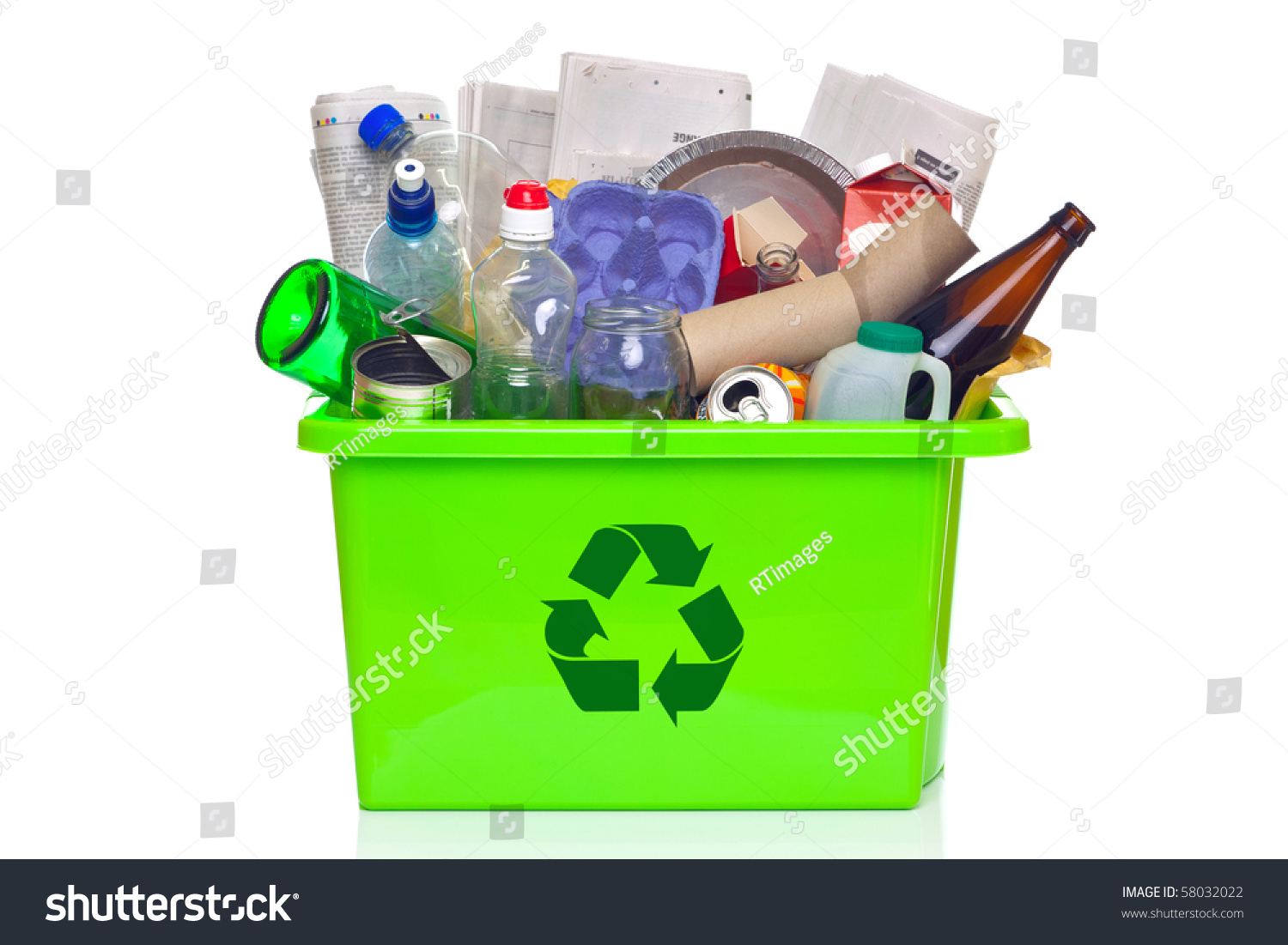Photo Green Recycling Bin Full Recyclable Stock Photo 58032022 ...
