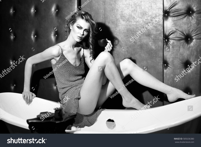 showerroom voyeur video