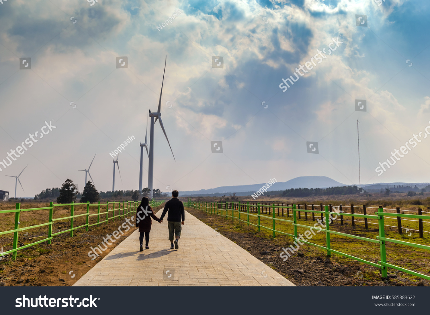 Lover Hold Hand Wind Energy Turbine Stock Photo 585883622  # Muebles Laver Fuerteventura