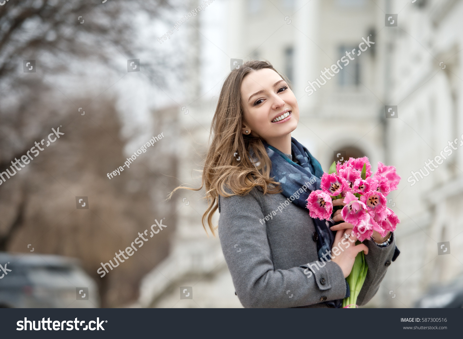 Woman with tulips beautiful woman with flowers series ez canvas id 587300516 izmirmasajfo