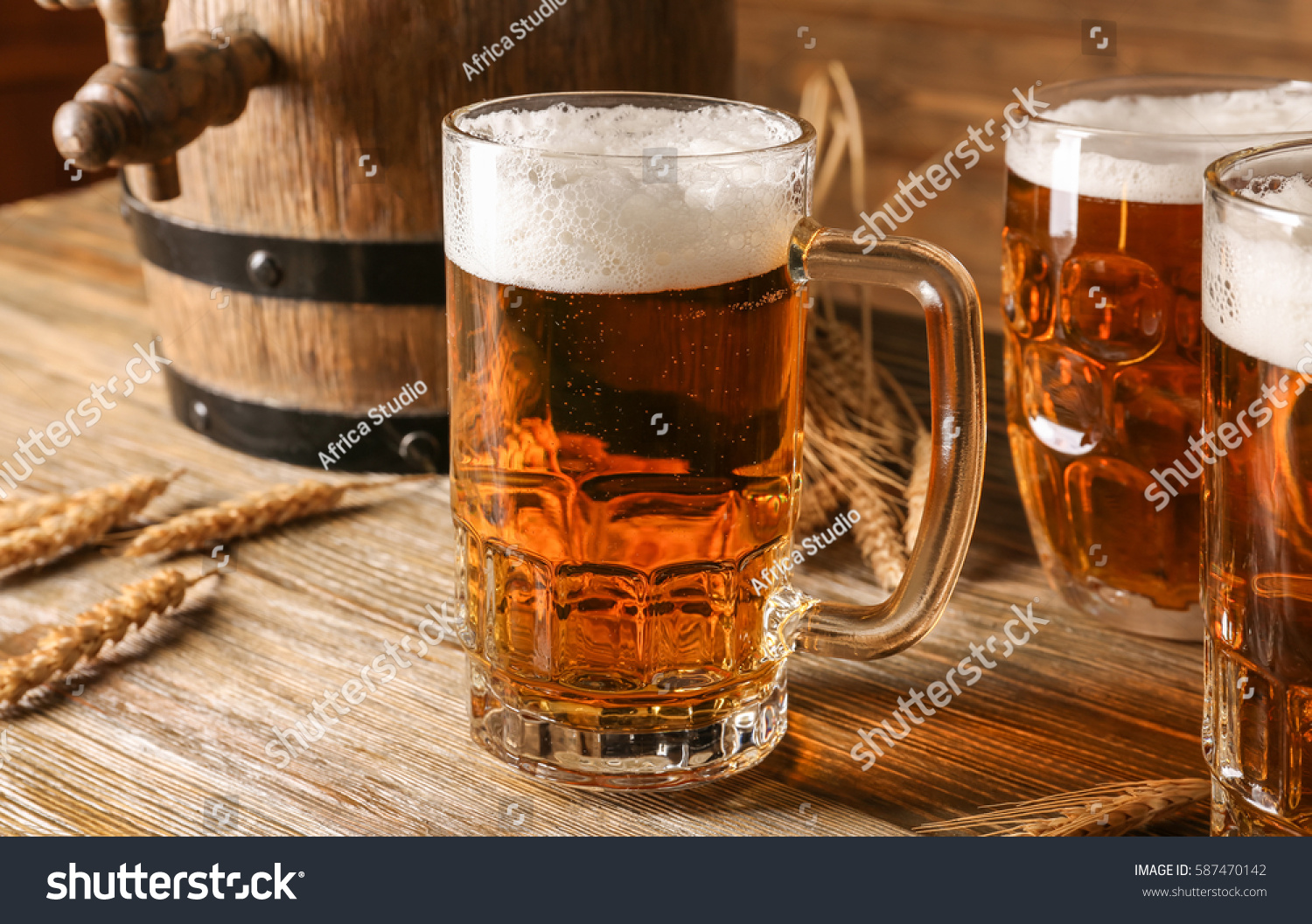 glass beer on wood - photo #21