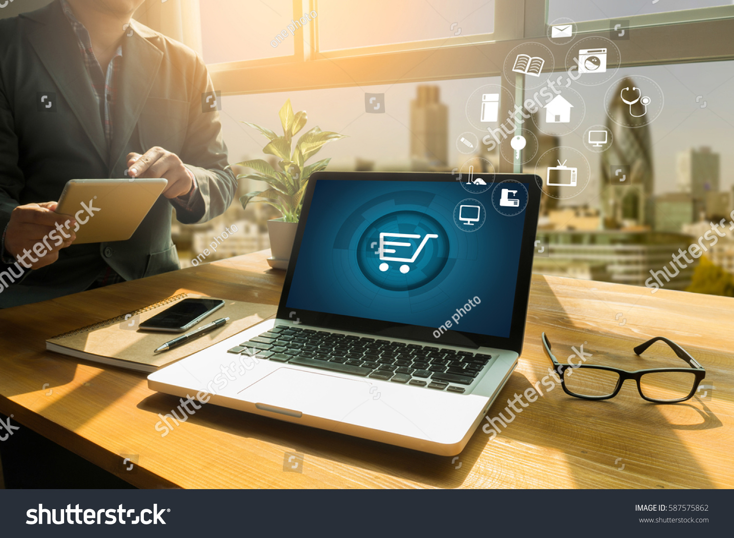 Business people use Technology E-commerce Internet Global Marketing Purchasing Plan and Bank Concept #587575862
