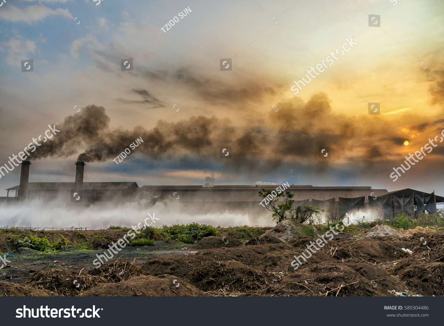 smokestack factory black smoke over sky stock photo 589304486 shutterstock. Black Bedroom Furniture Sets. Home Design Ideas