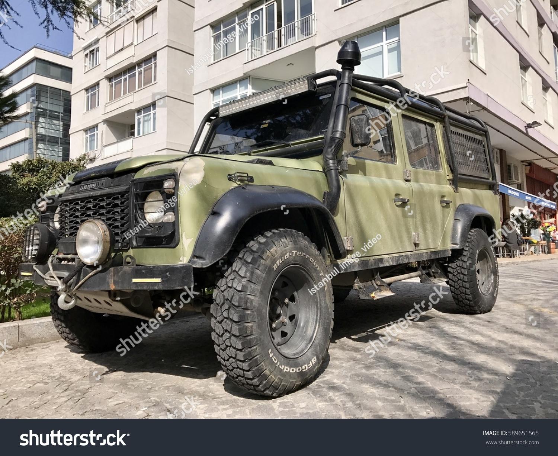 Istanbulturkeyfebruary 282017 Land Rover 4 X Car Parking Stock 4x4 Istanbulturkey February 282017land In The
