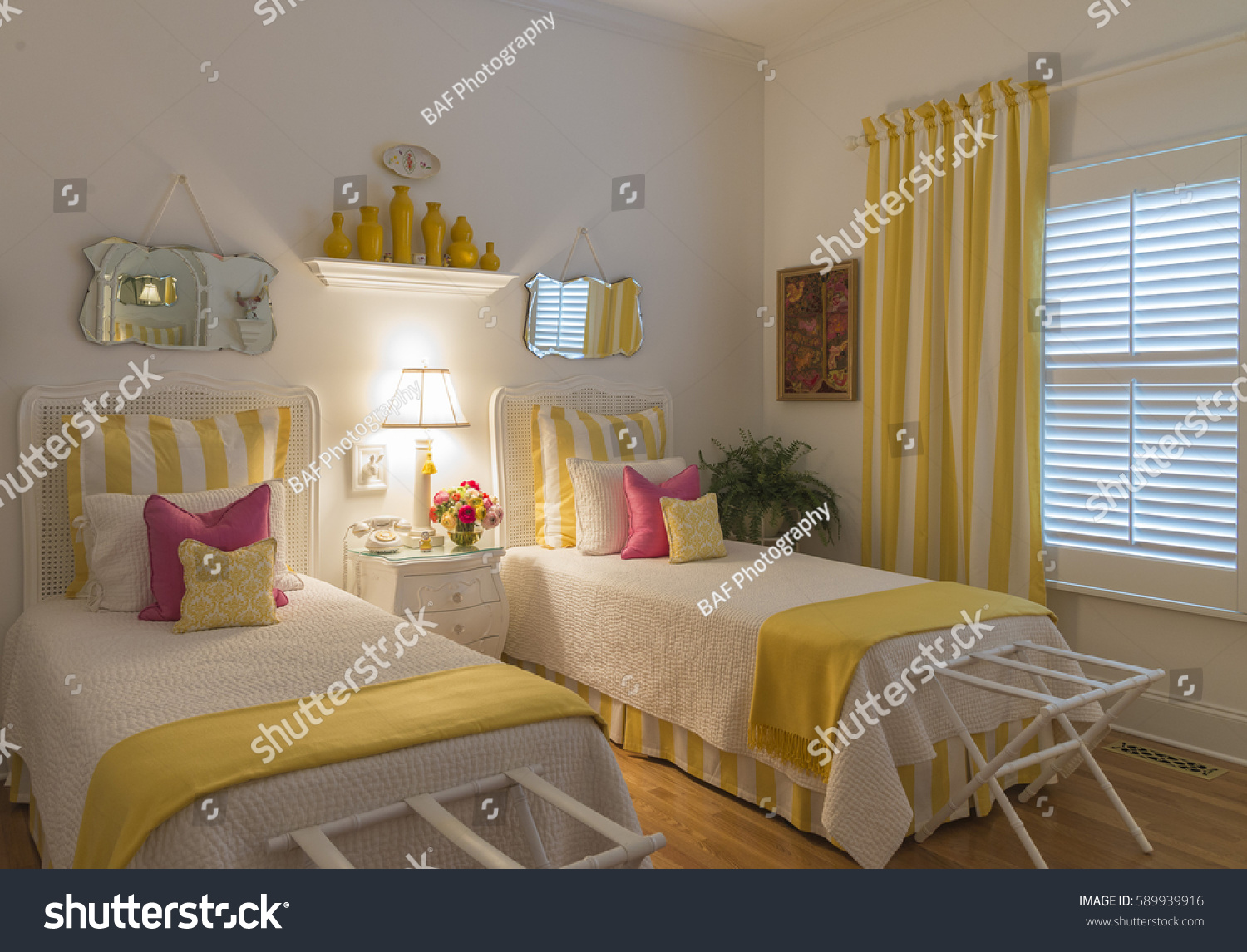 Colorful Guest Bedroom Twin Beds Stock Photo Edit Now 589939916