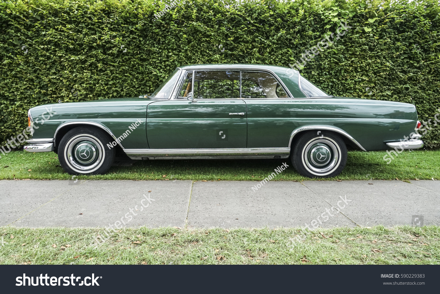 Duesseldorf August 2016 Green Mercedes Benz Stock Photo