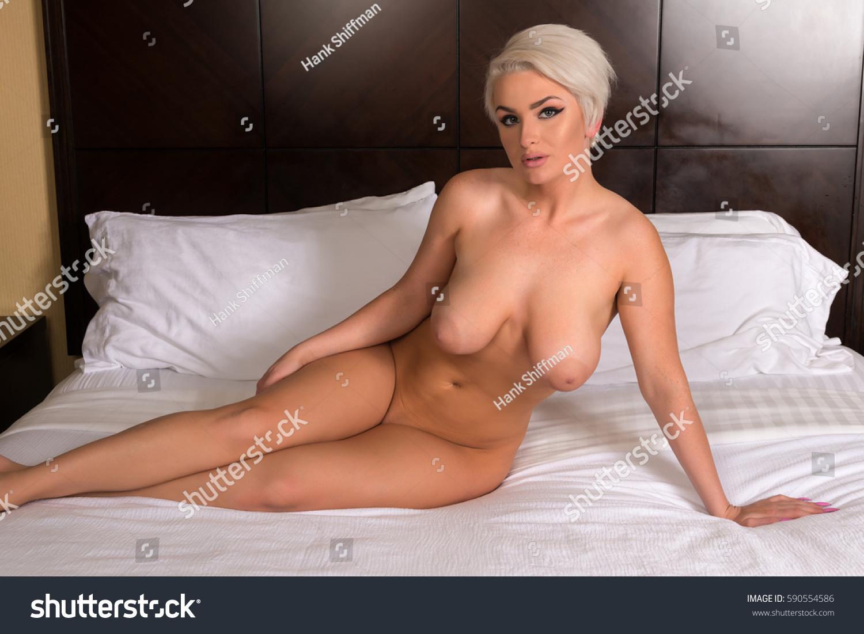 nude shapely women Beautiful