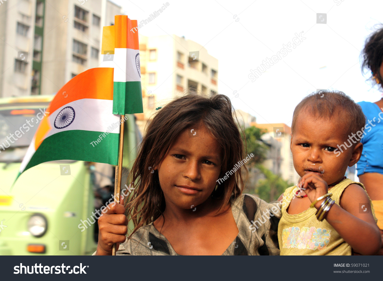 Pune, Maharashtra/India - Aug 15: A Poor Street Side Girl ...