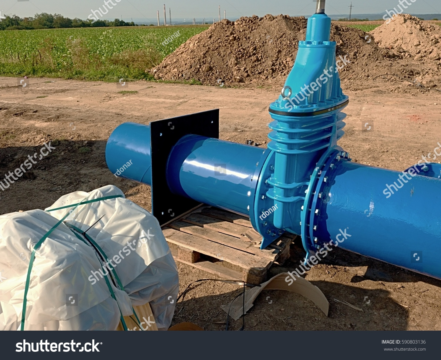 Water Pipe Replacement Parts : Mm big new drink water gate stock photo