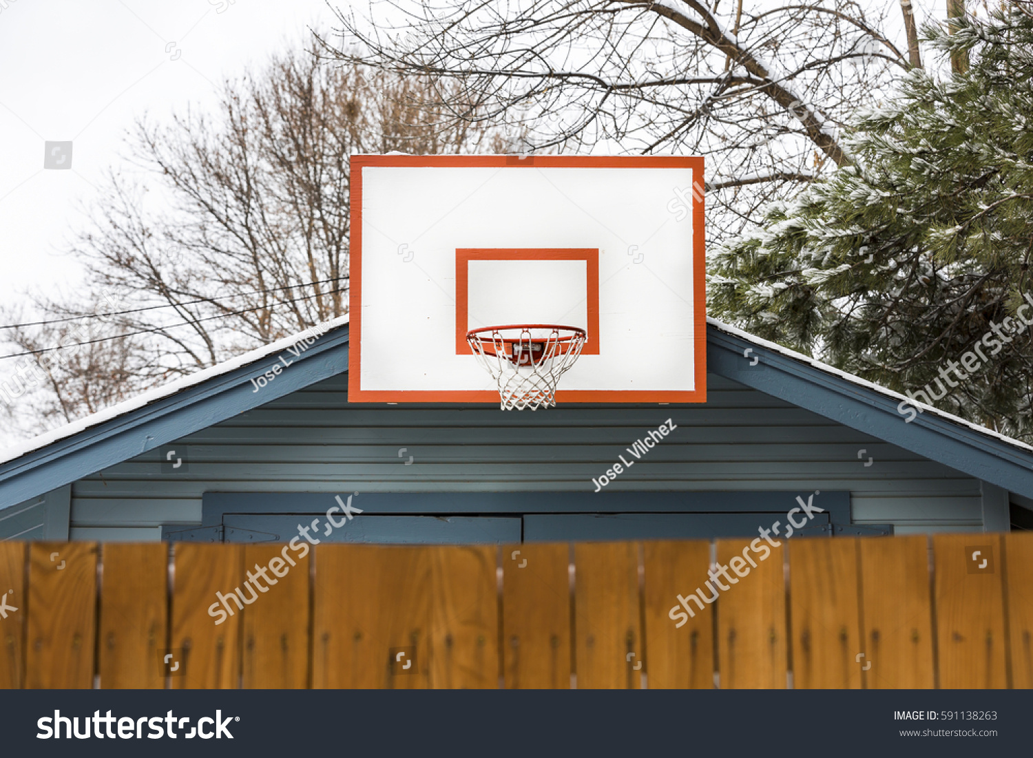 Garage basketball hoop stock photo 591138263 shutterstock for Basketball garage