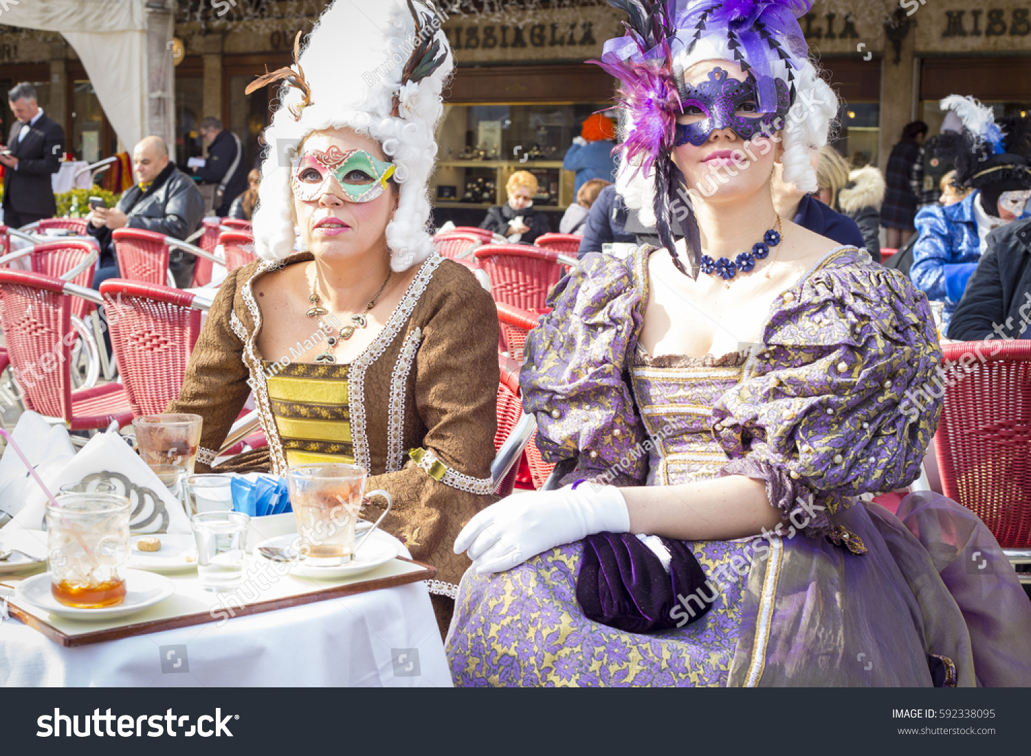 Venice italy 26022017 unidentified people carnival stock for Venice craft fair 2017