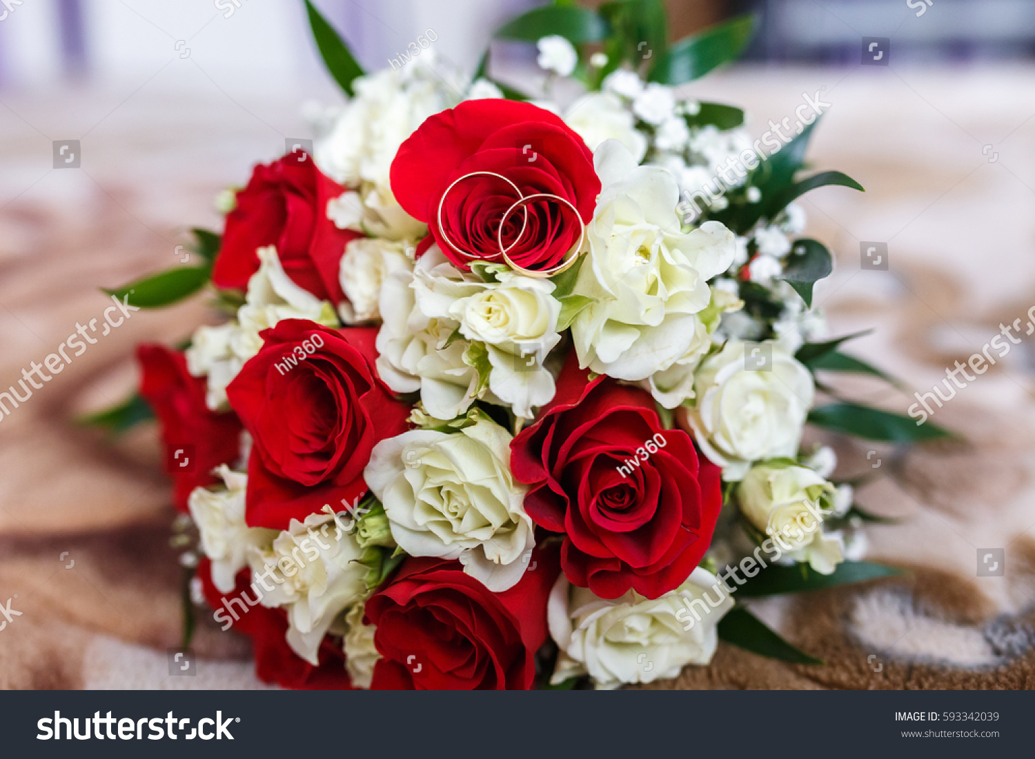 flower russia petersburg st photo car the afkwht gold with stock wedding and bouquet bonnet on displayed white rings