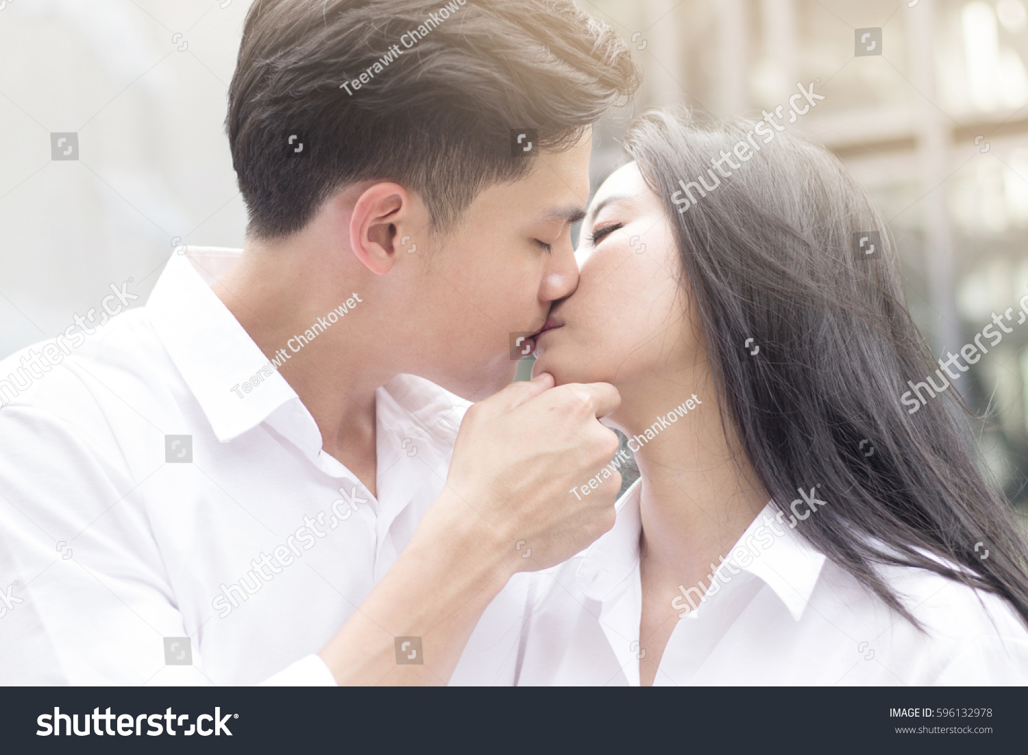 story-fem-white-boy-kissing-asian-girl