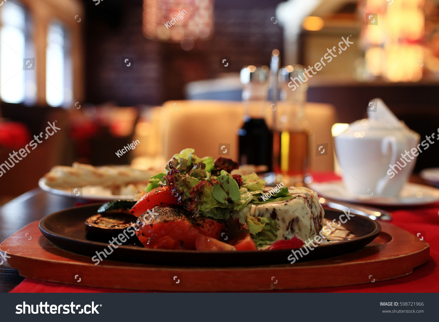 Decoration table italian restaurant stock photo 598721966 - Decoration table restaurant gastronomique ...