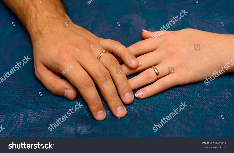 Photo Two Hands Beautiful Wedding Rings Stock Photo 599455808 ...