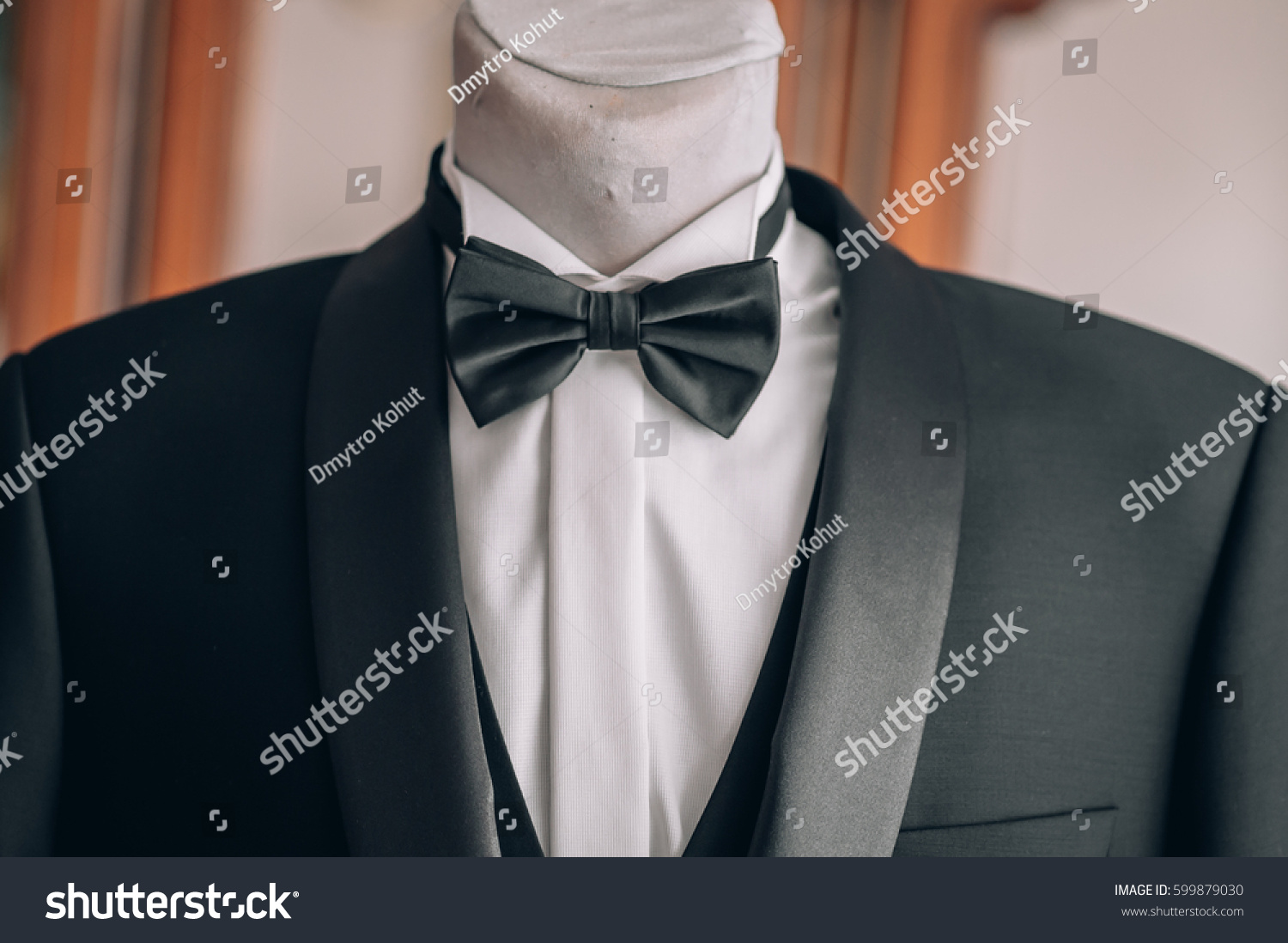 02bac544953 tuxedo on a mannequin in detail