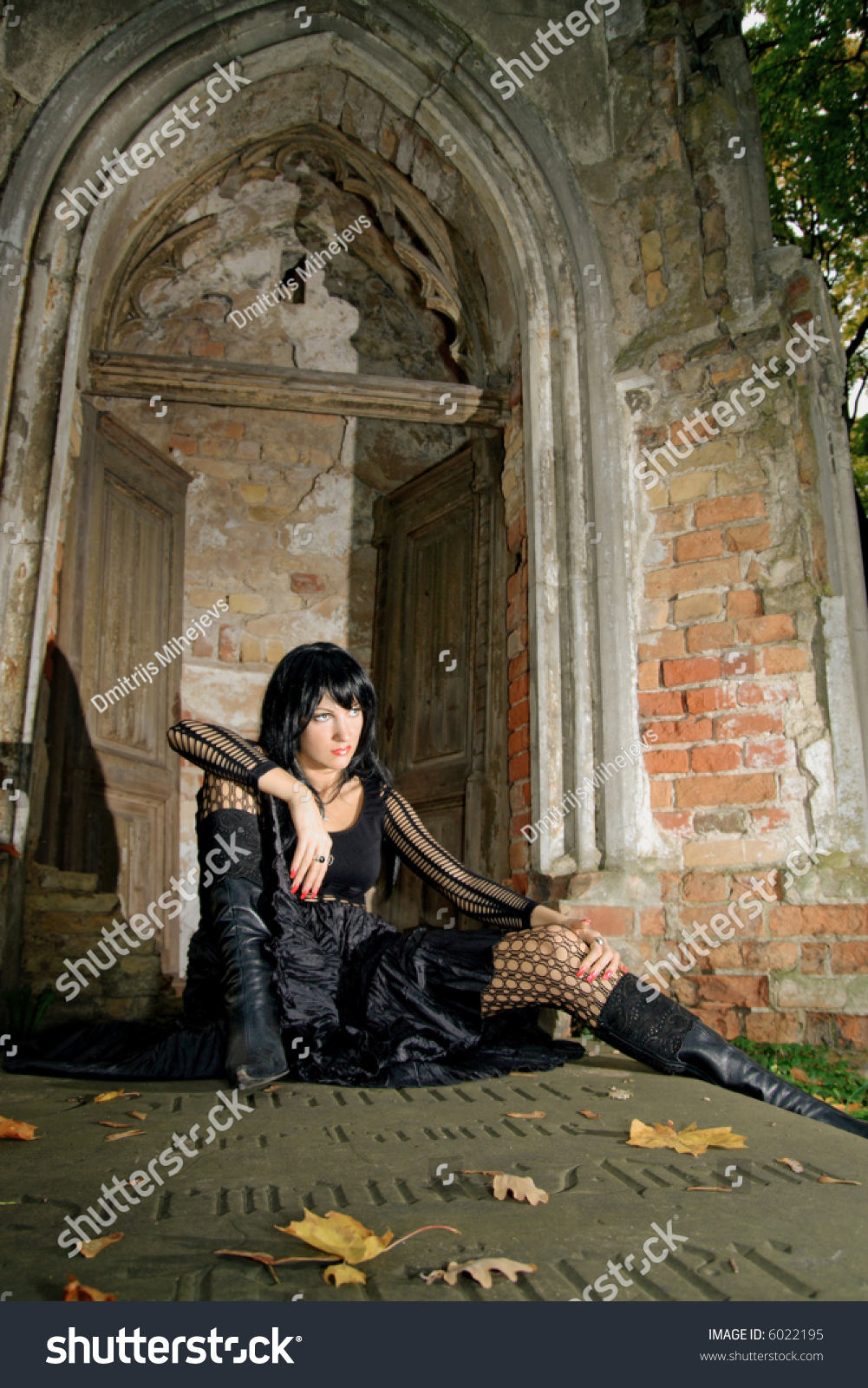 Sexy Goth Girl Sitting On Tombstone Stock Photo 6022195 -9444