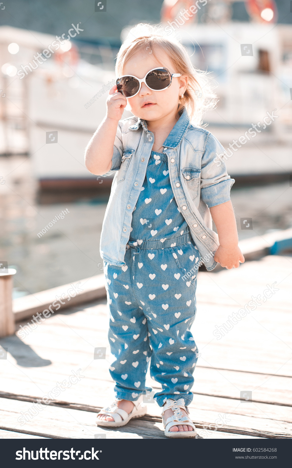 Baby Stylish girl clothes pictures catalog photo