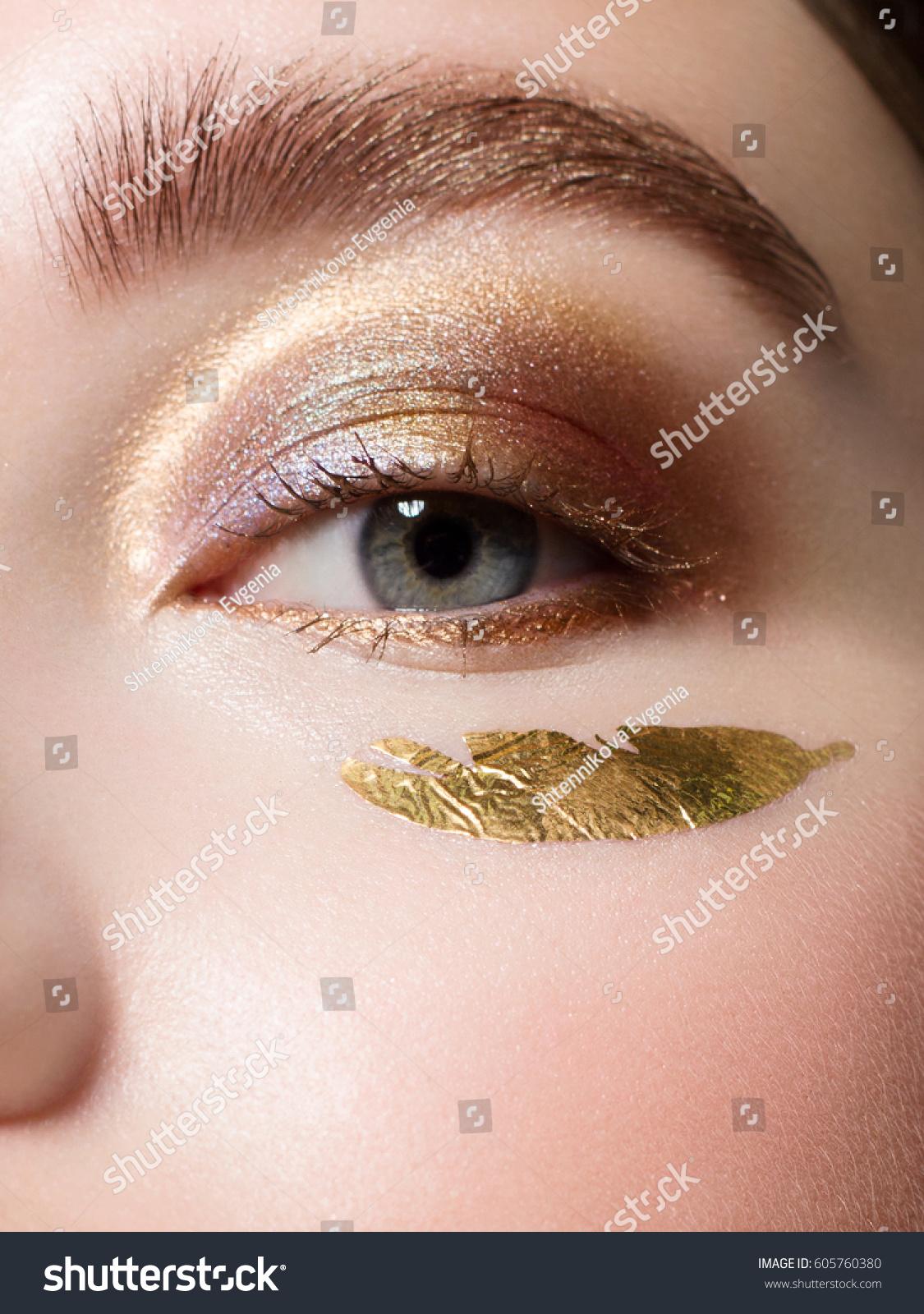 Close Beautiful Brown Eyes Decorative Cosmetics Stock Photo 605760380 - Shutterstock