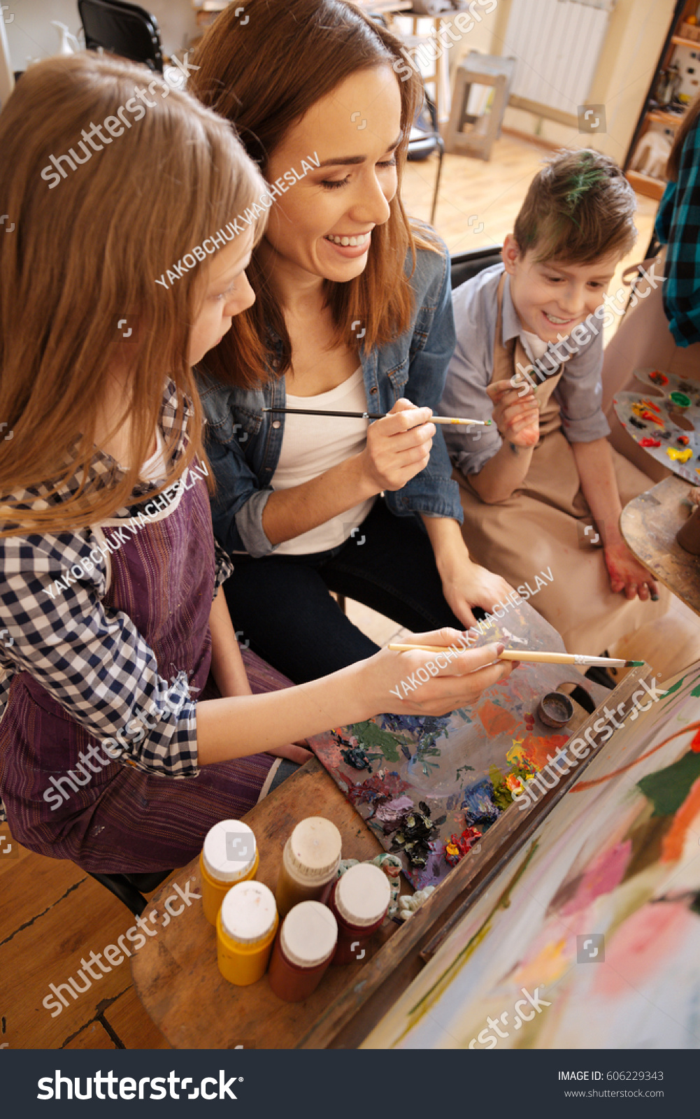 Charming Artist Teaching Kids Studio Stock Photo Edit Now 606229343