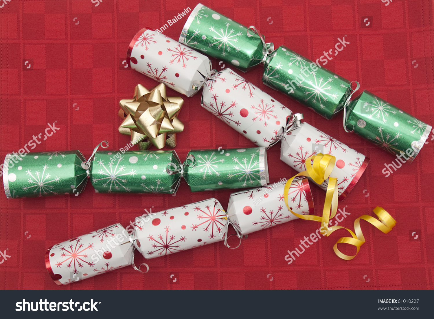 English Christmas Crackers.Traditional Christmas Crackers Top Places To Eat In Milwaukee