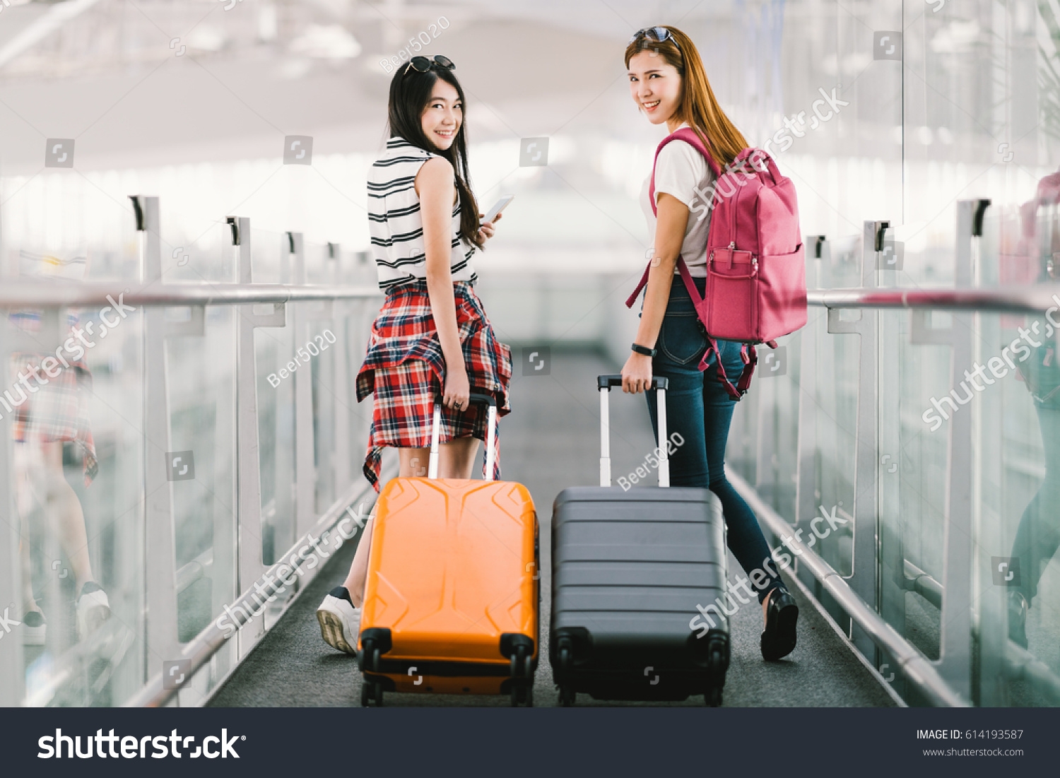 Two Happy Asian Girls Traveling Abroad Stock Photo 614193587 ...