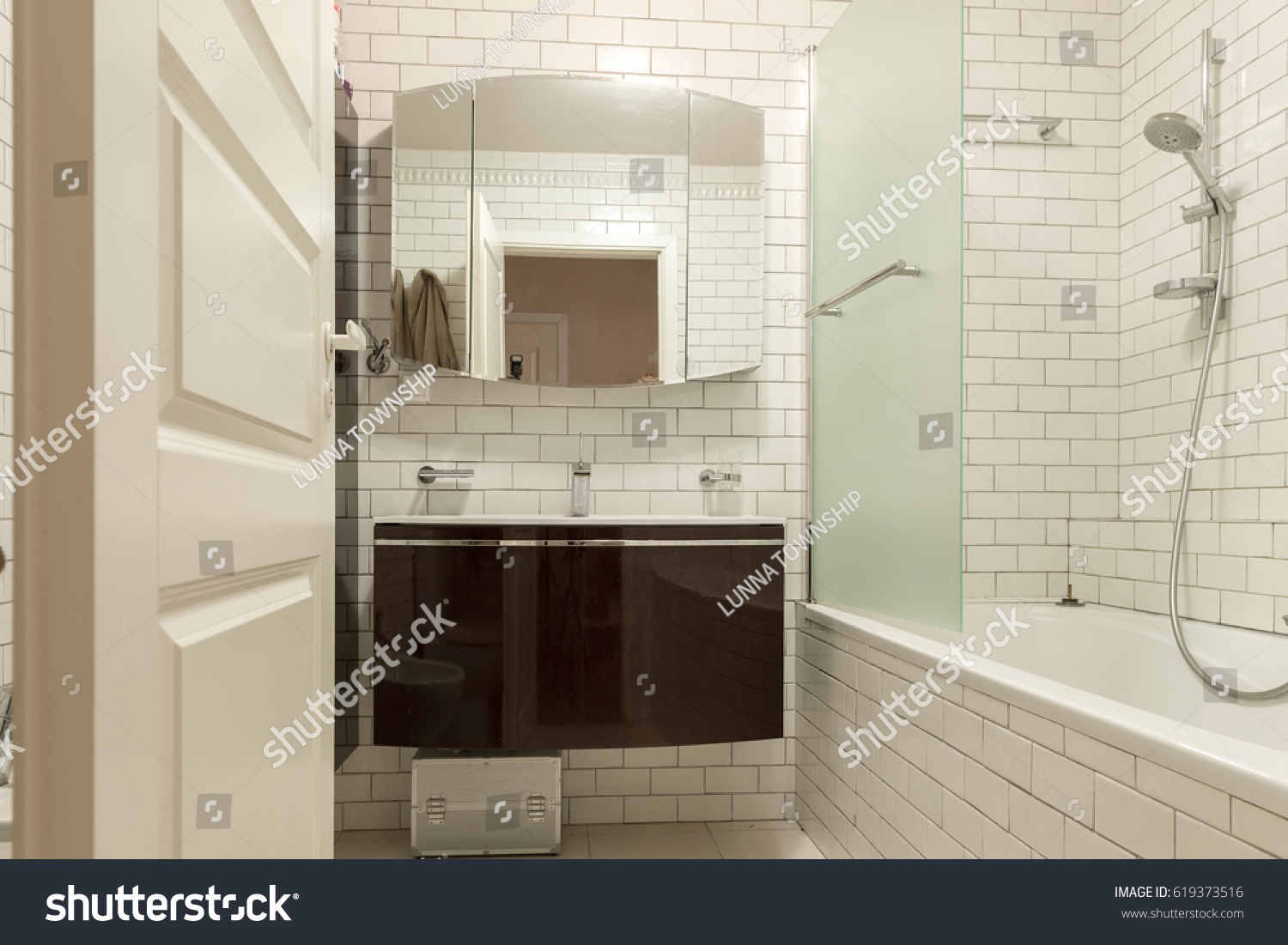 Moscow russian federation circa april 2017 stock photo 619373516 moscow russian federation circa april 2017 apartment interior the white dailygadgetfo Images