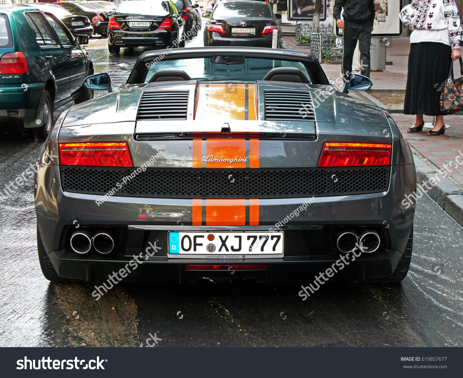 Lamborghini Gallardo LP560 4 Spyder. Water Flows