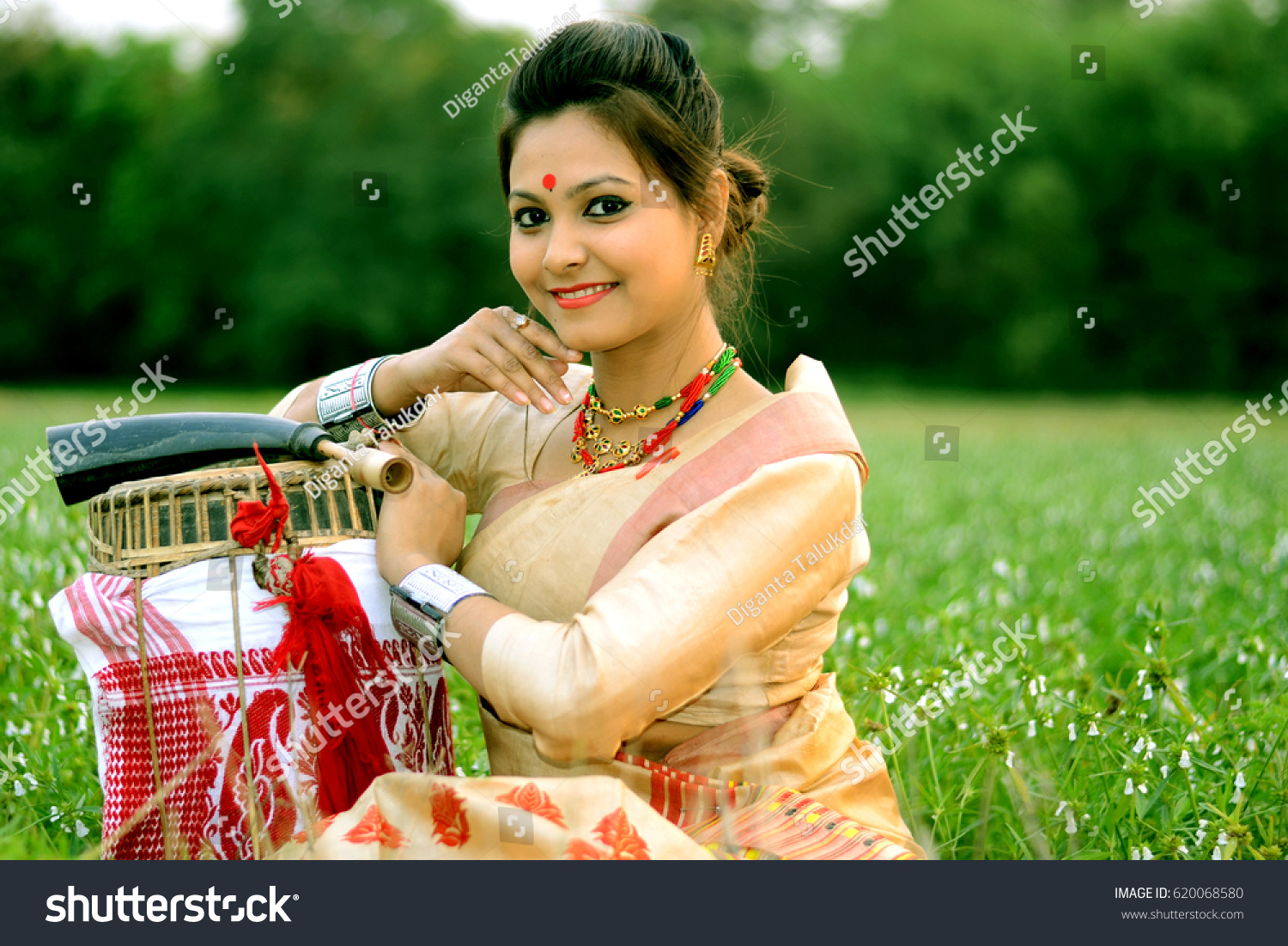 Assamese Girl Traditional Attire During Bihu Stock Photo 620068580 - Shutterstock-6907