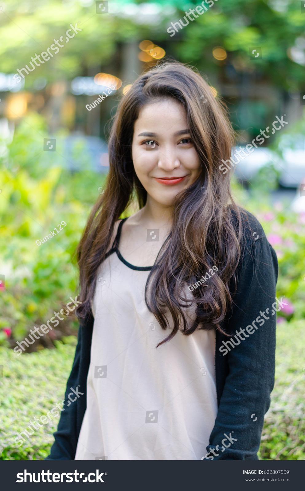 Very young thai street girls delirium