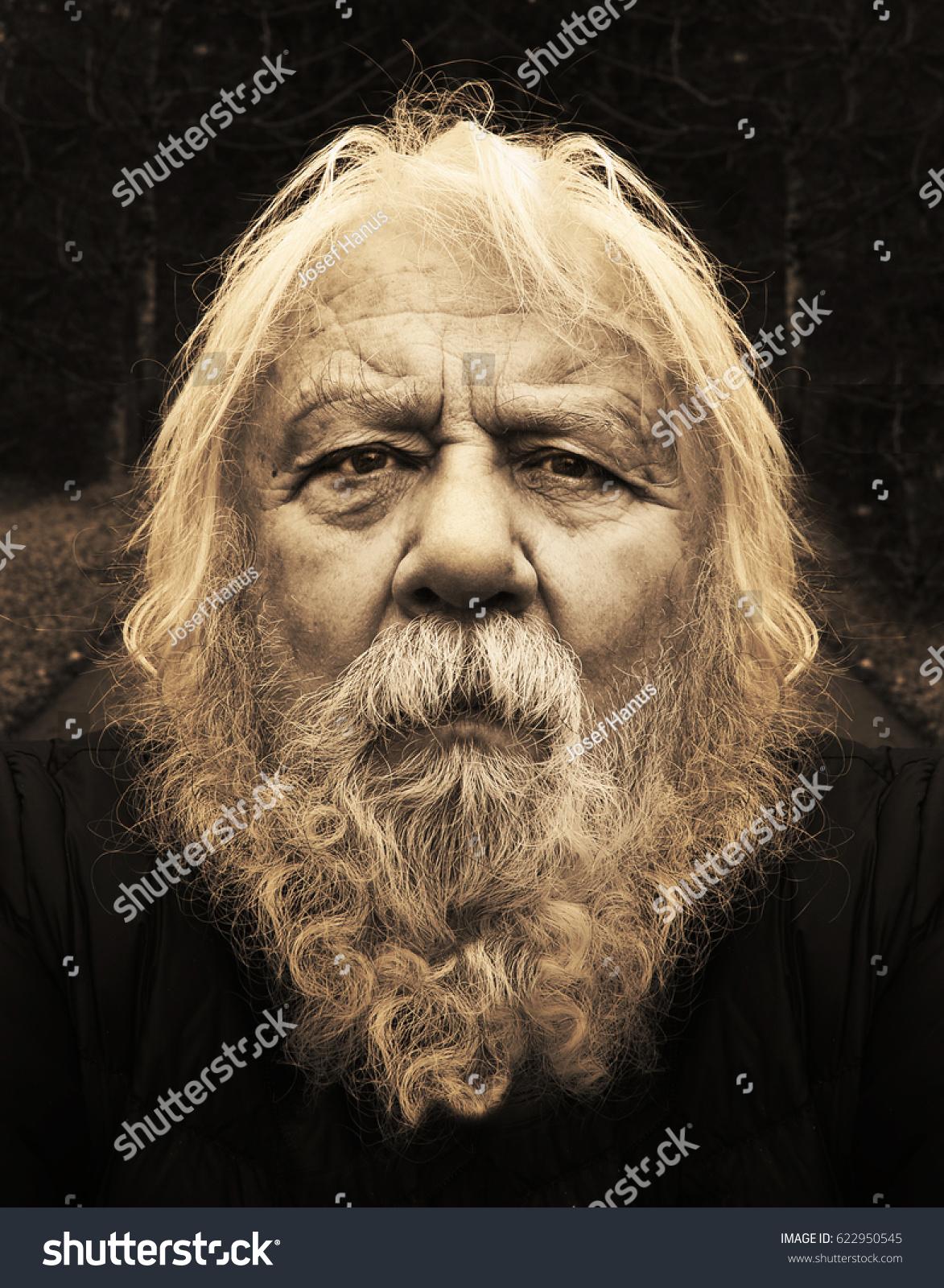 dreadful senior old man beard long の写真素材 今すぐ編集