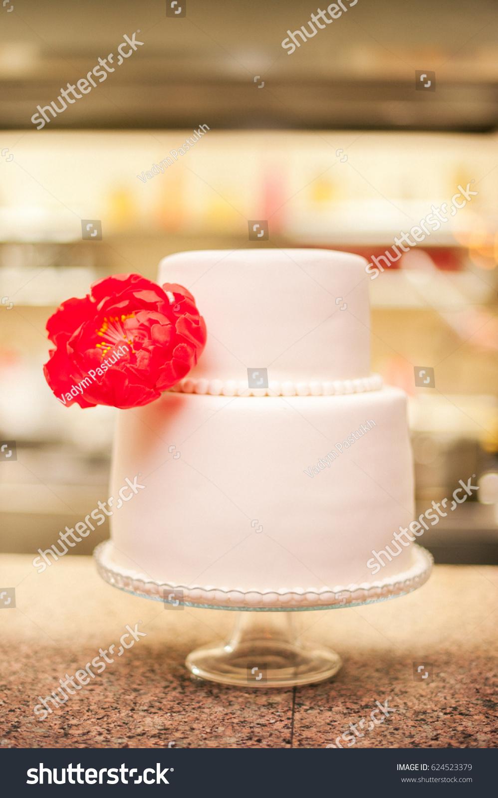 White Wedding Cake Red Flower Stock Photo Edit Now 624523379