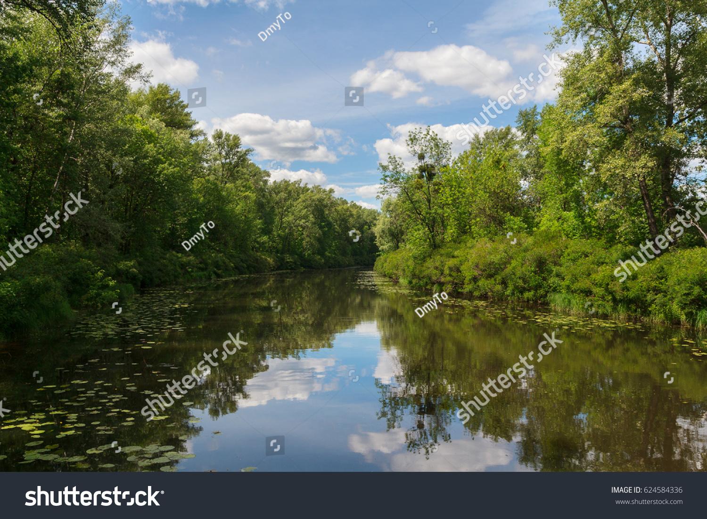 Rest on the river Bityug in the Voronezh region 79