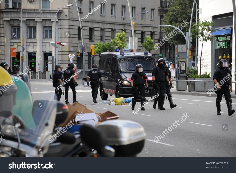 BARCELONA SPAIN SEPTEMBER 29 Police Streets Stock Photo (Edit Now