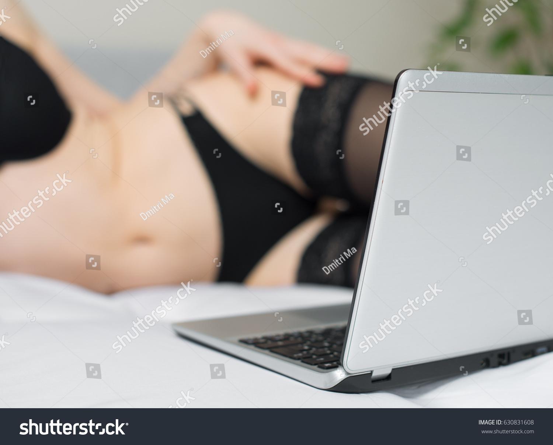 kak-zarabotat-virt-seks-stat-modelyu-onlayn-doma-cherez-skayp