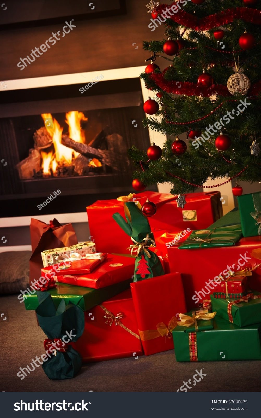 Still life photo of christmas presents and tree