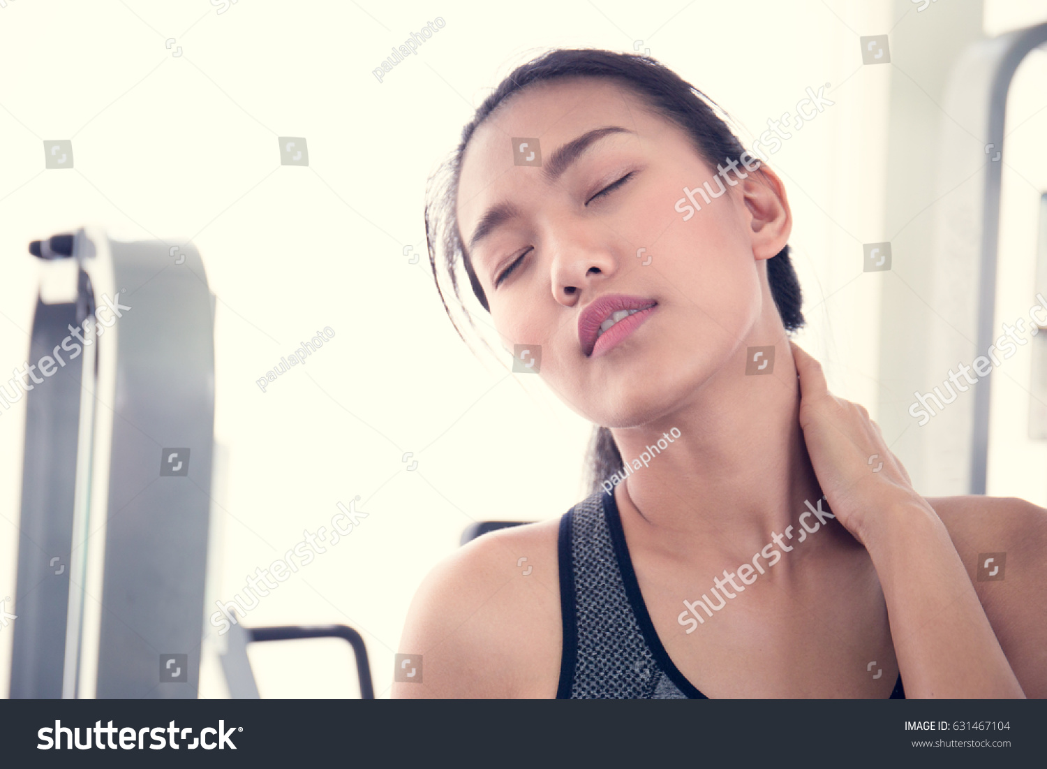 Asian women with stretched necks