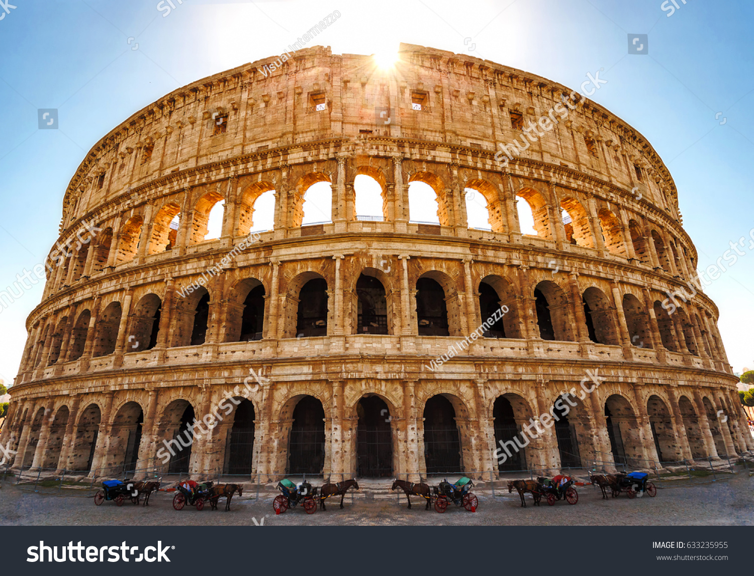 Colosseum in Rome, photos and description of the majestic amphitheater