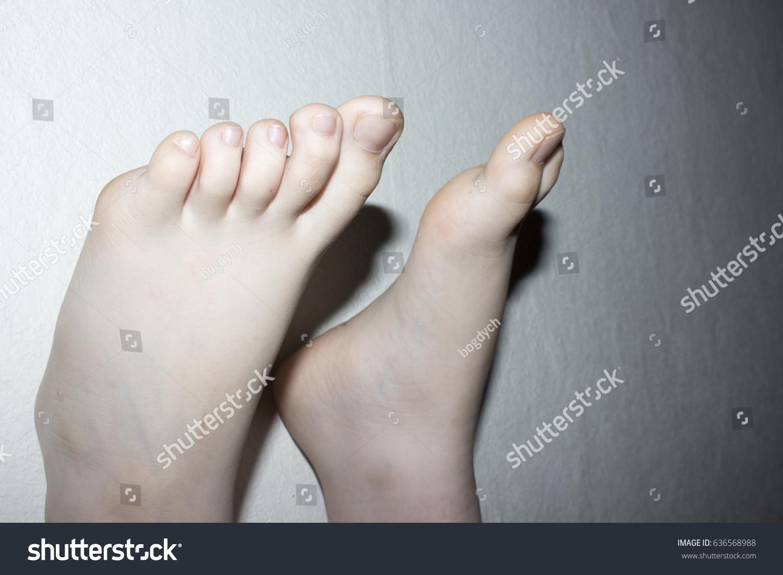 Teen foot pictures