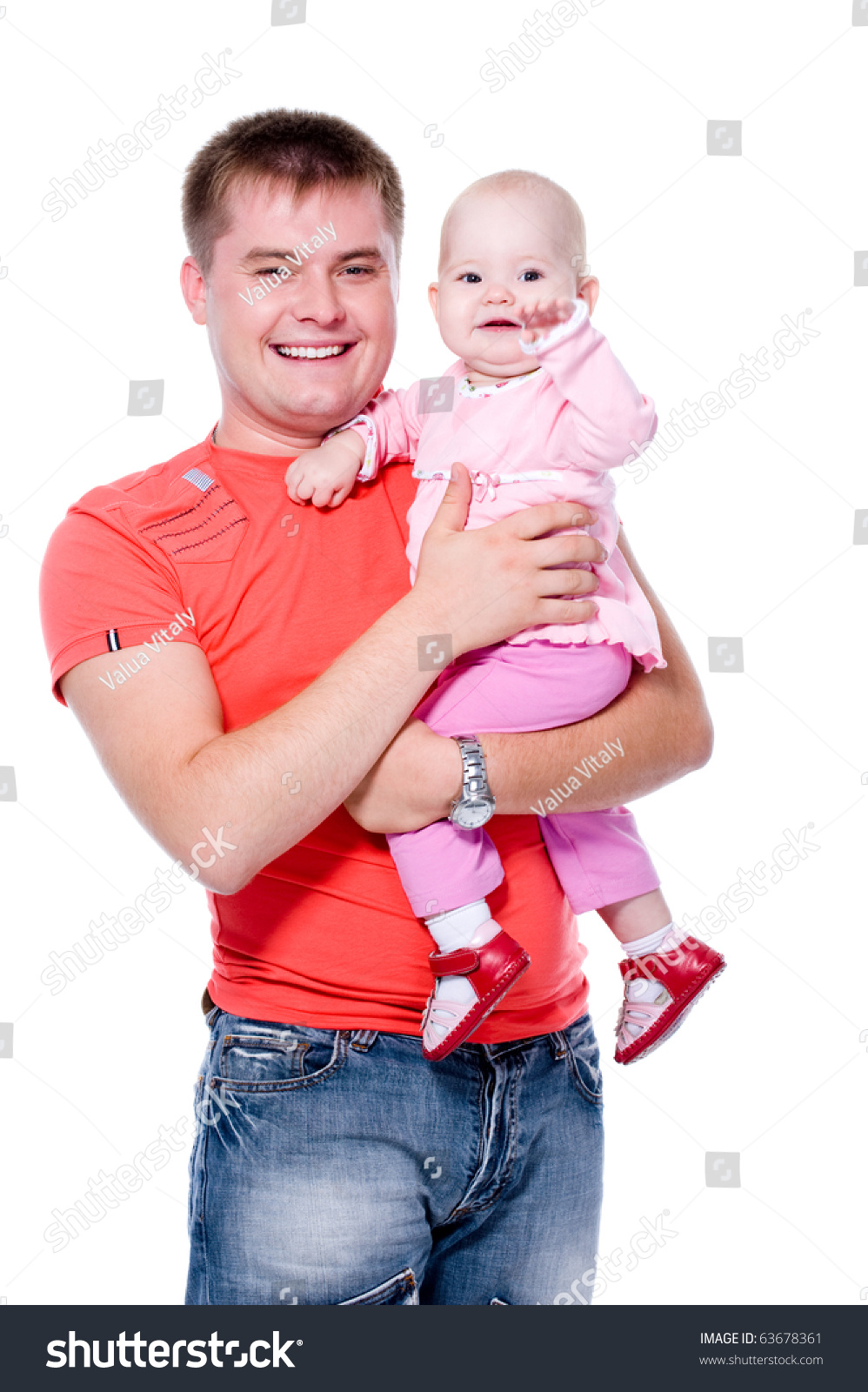Несут ребенка на руках фото