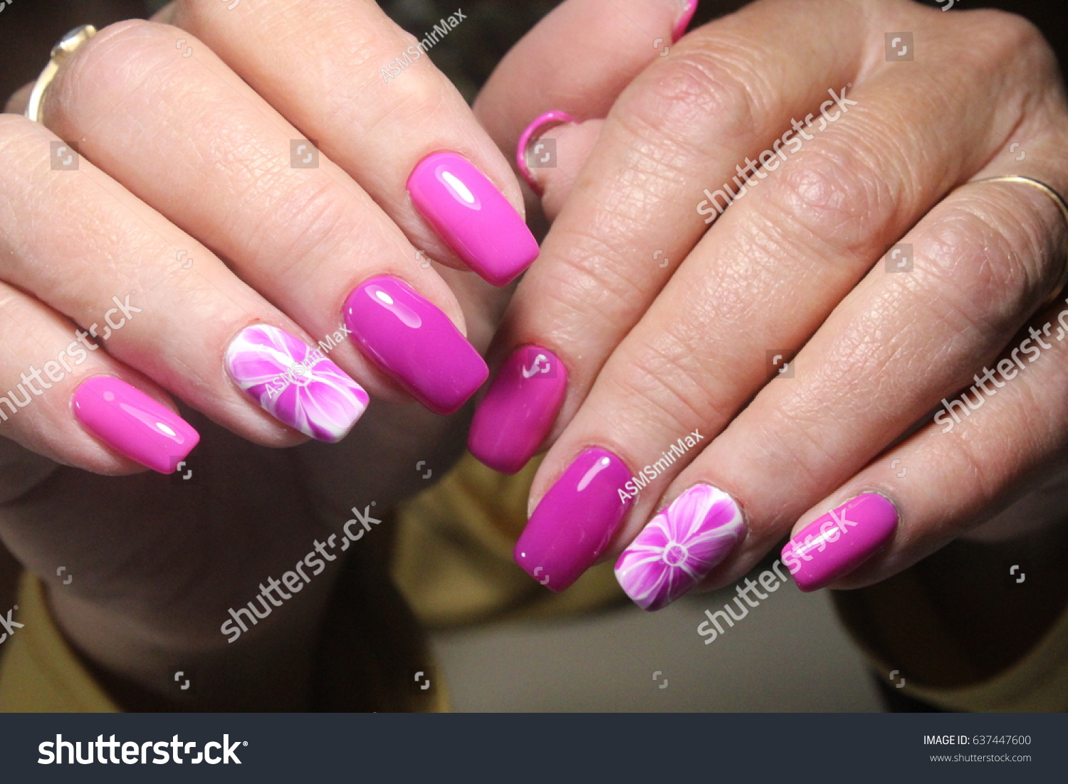 Manicure Nail Design Flower Stock Photo (Royalty Free) 637447600 ...