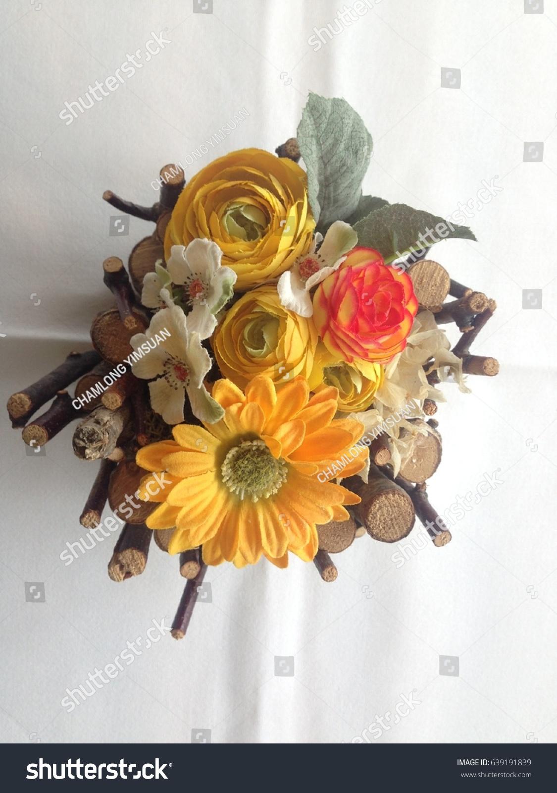Beautiful flower arrangement stock photo royalty free 639191839 beautiful flower arrangement izmirmasajfo
