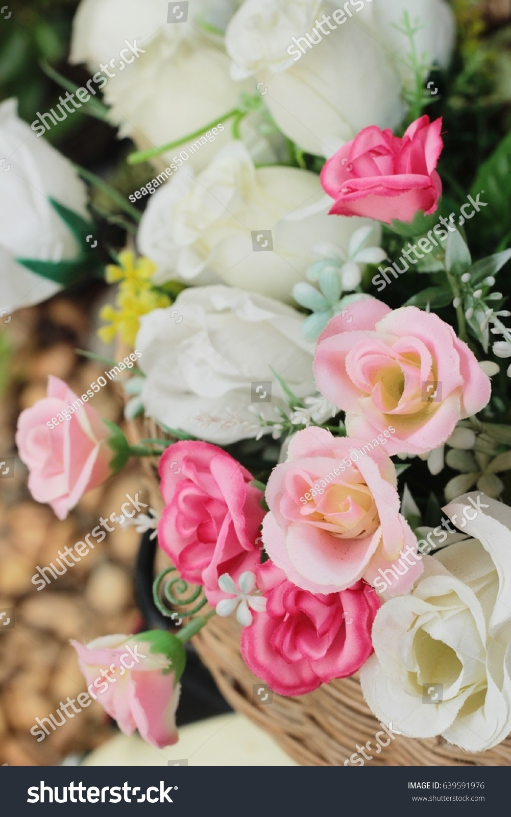 Bouquet Flowers Roses And Green Leaves Ez Canvas