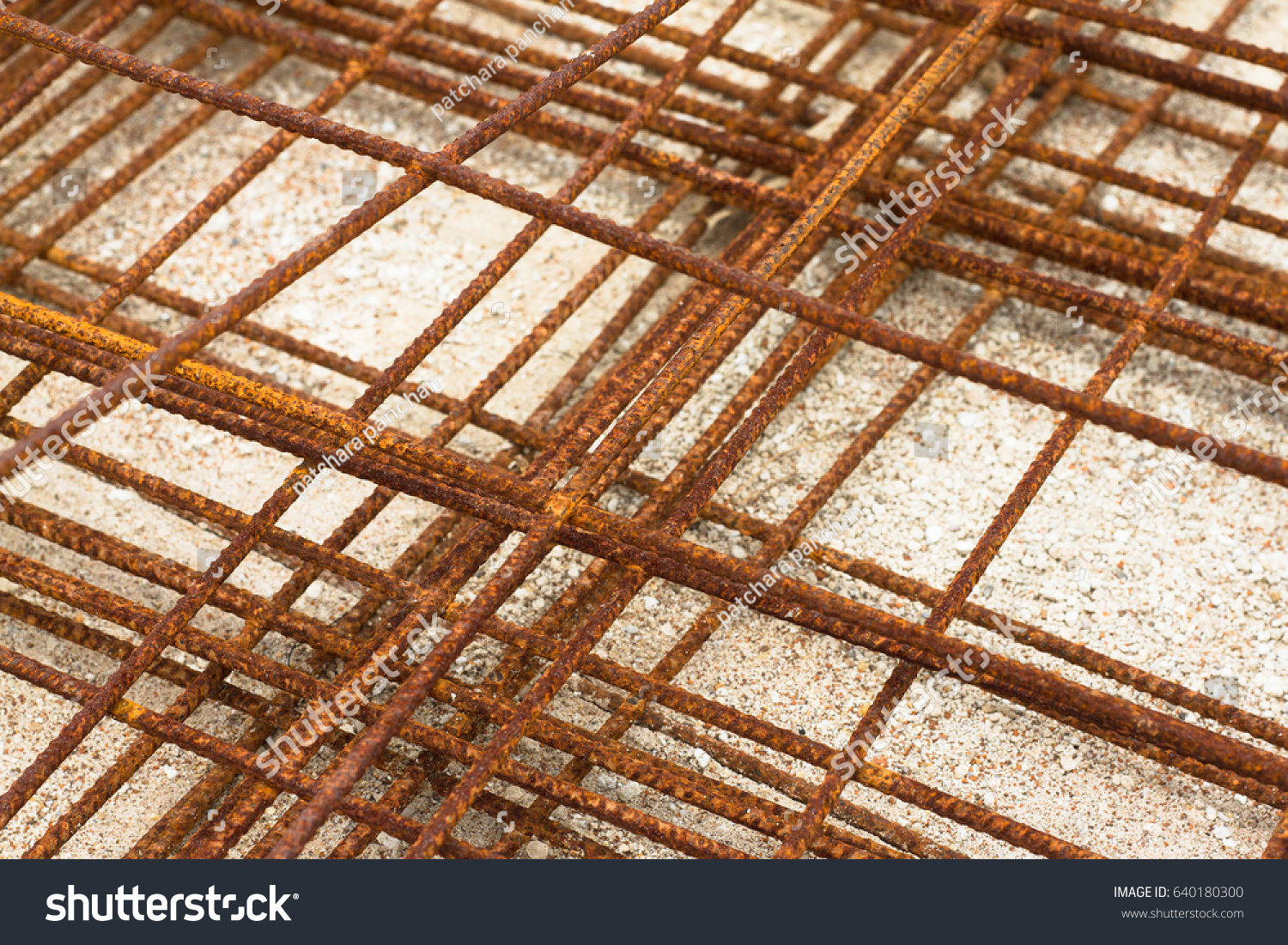 Stainless steel wire mesh panels have rust. | EZ Canvas