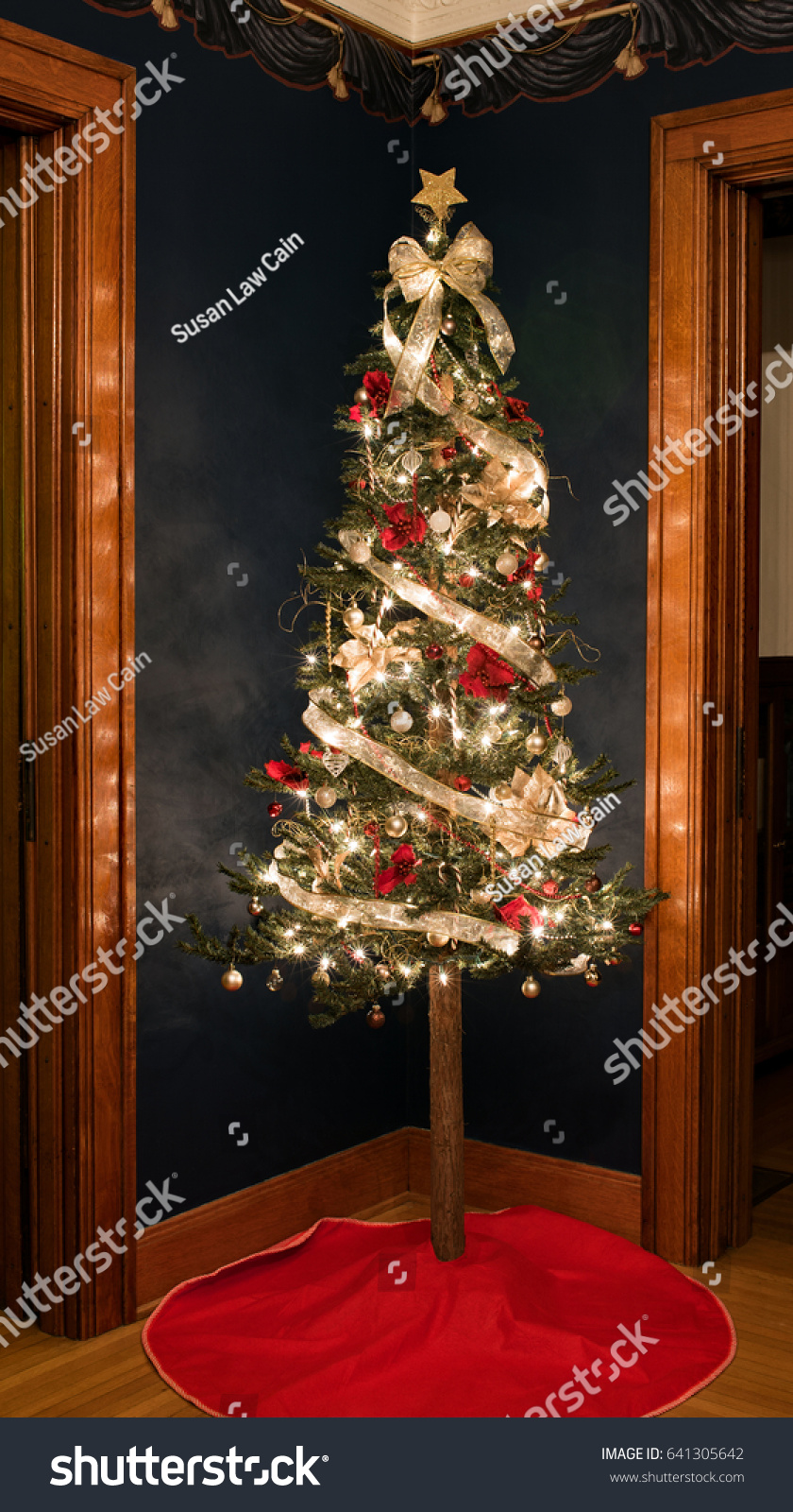 Old Fashioned Christmas Tree Corner Stock Photo (Edit Now) 641305642 ...