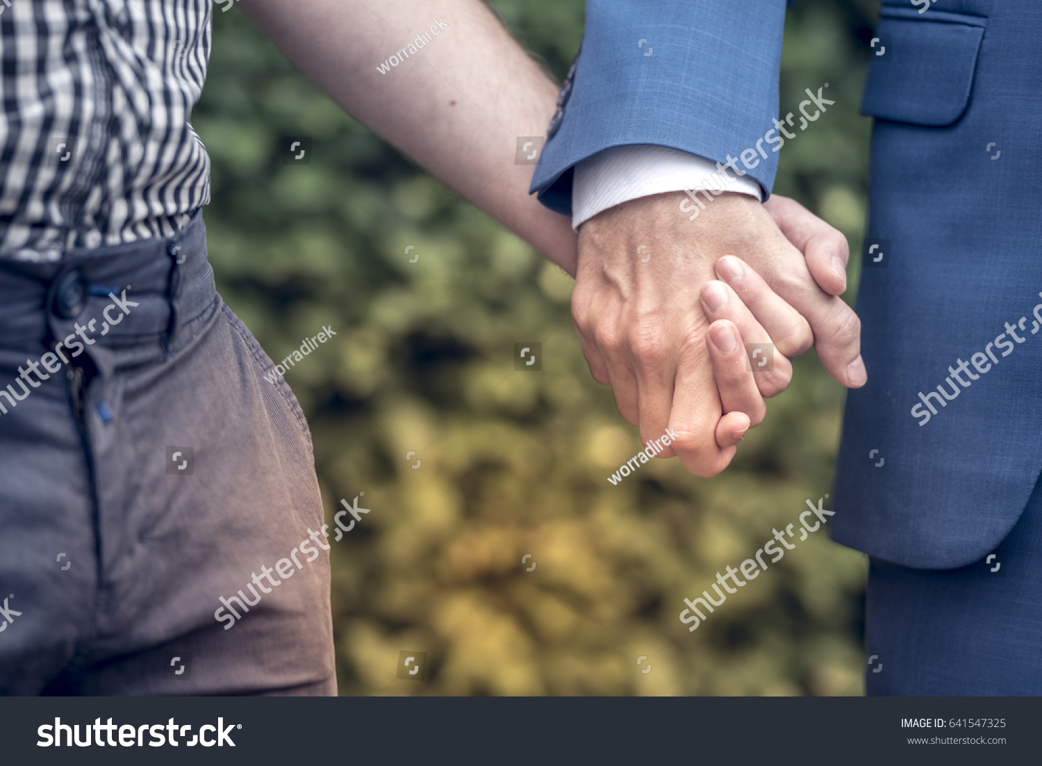 Holding hands on first date