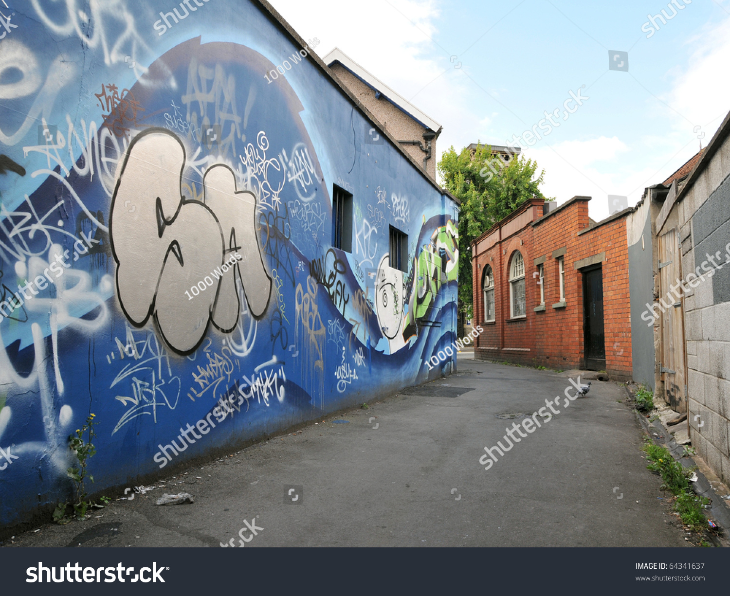 Graffiti wall uk - Bristol Sept 26 Graffiti Wall In An Alleyway In The Gloucester Road Area Of